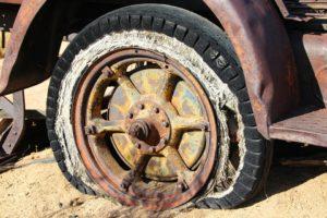 píchnuté pneumatiky