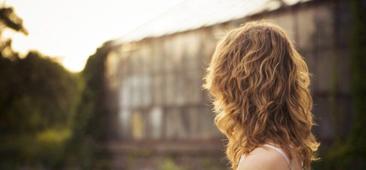 Čo robia ženy s hustými, krásnymi vlasmi?