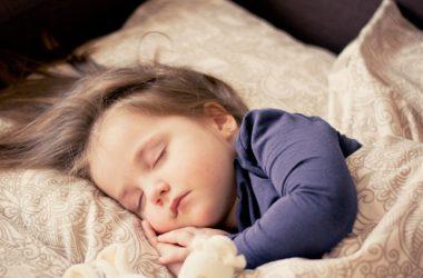 Trápi vaše dieťatko bolesť bruška? Môže to byť laktózou